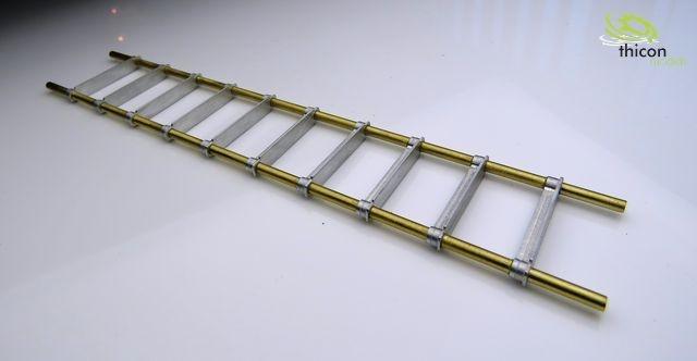 1:14 / 1:16 Anlegeleiter aus Metall fertig aufgebaut