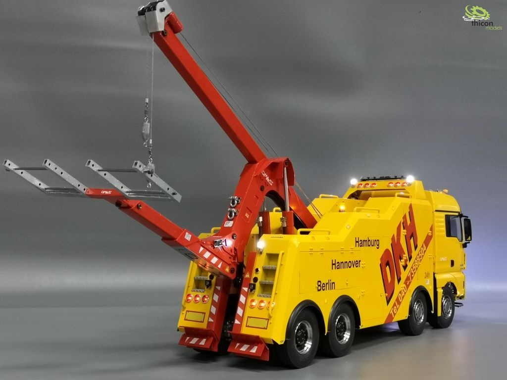 1:14 tow crane construction 4-axle made of metal with hydrau