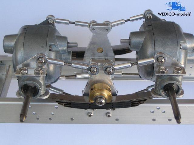 Pendelachssystem mit angetriebene Hinterachsen