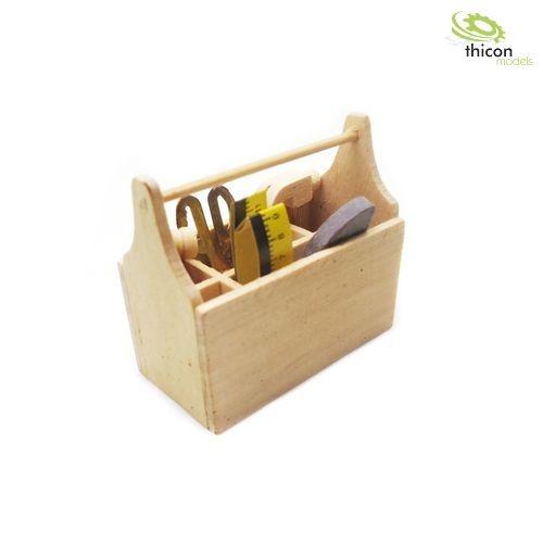 Werkzeugbox aus Holz mit Wekzeug-Set