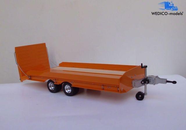 Tieflader-Anhänger mit beaver tail Rampe RAL 2011 Orange
