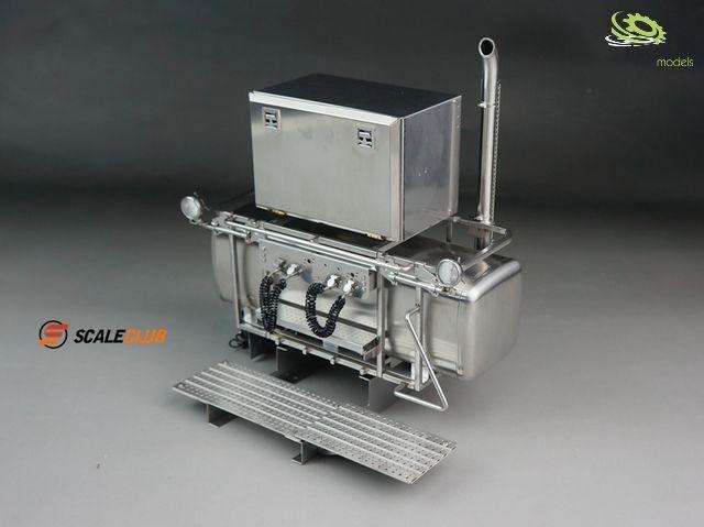 1:14 Schwerlastturm mit Scheinwerfer und Box V2A